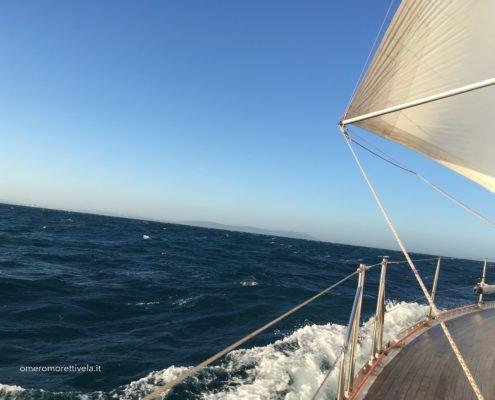 scuola vela navigazione altura vento fresco